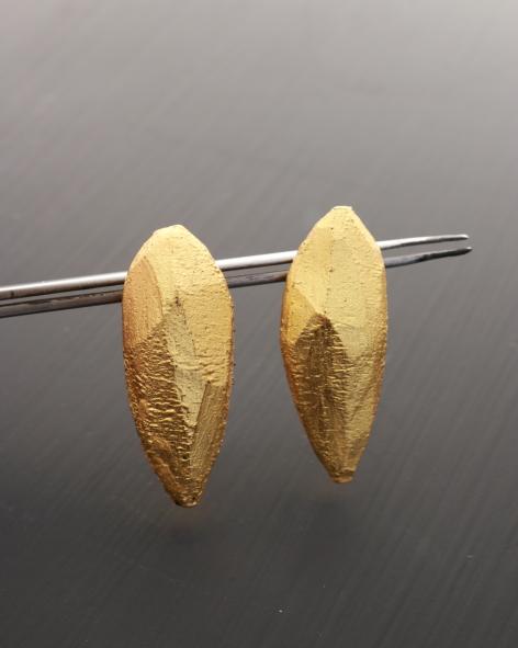 lightweight drop shaped earrings with 24k gold leaf - michelle kraemr jewellery