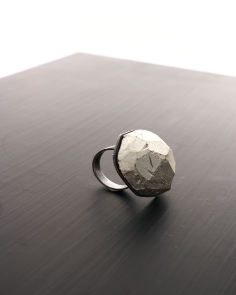 Chunky cocktail ring in balsawood with white gold leaf finish - michelle kraemer jewellery