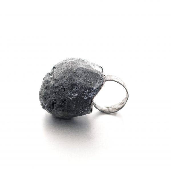 Big textured ring in balsa wood and oxidized sterling silver